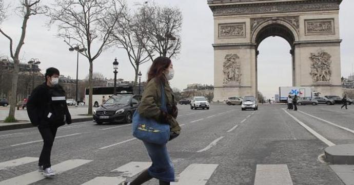 Franciaországban jelentős pénzbírság vár a karantént megsértő beutazókra