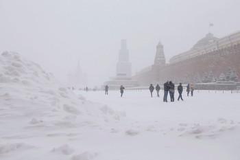 Megbénult Moszkva a rendkívüli havazás miatt