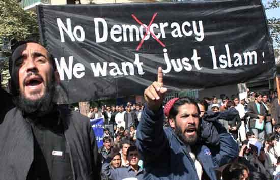 Németországban már 2020-ra (!) 20 millió muzulmán lesz