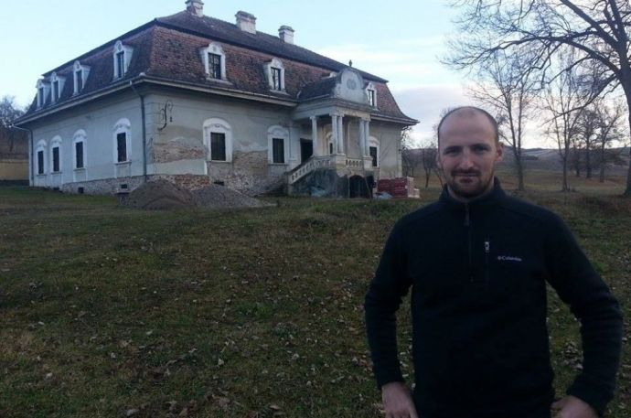 Az erdélyi bárót nem kell félteni a színromán településen