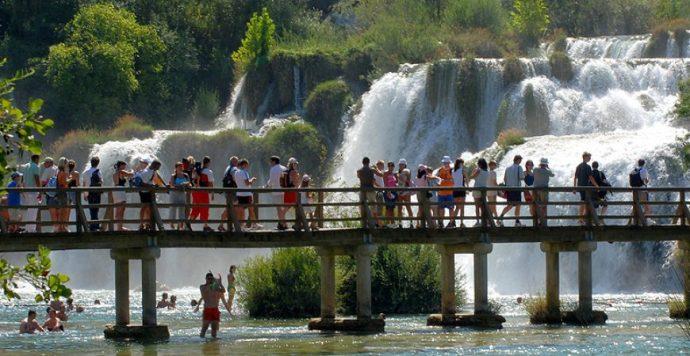 Megrázó leletek: Elhunyt turisták holttesteire bukkantak Horvátországban