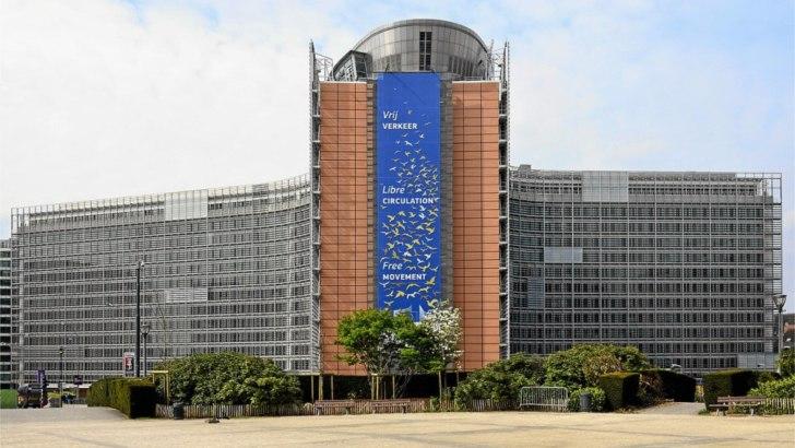 Az Európai Bizottság hatalmi gőgje