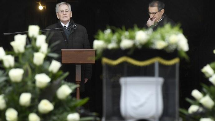 Megrázó epizód Andorai Péter temetésén