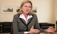 Visszahívták a tel avivi osztrák diplomatát, mert Waffen-SS-es pólóban pózolt