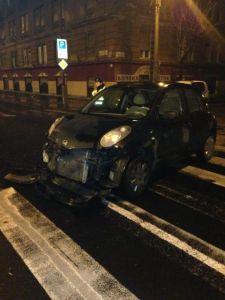 Késsel fenyegetve térítette el két lány autóját egy férfi Angyalföldön – egy baleset mentette meg őket