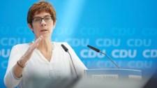 Szélsőjobboldaliság vádjával feloszlatták a Bundeswehr különleges erőinek egyik századát