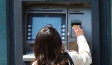 Korlátozzák a pénzfelvételt? – Menekítik a pénzüket