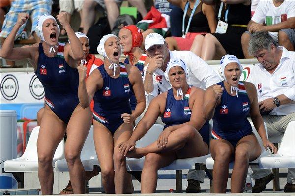 Elképesztő: 42-0-ra nyert a magyar női válogatott