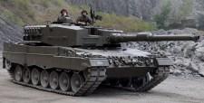 Leopard 2 – es harckocsikat is vásárol Magyarország