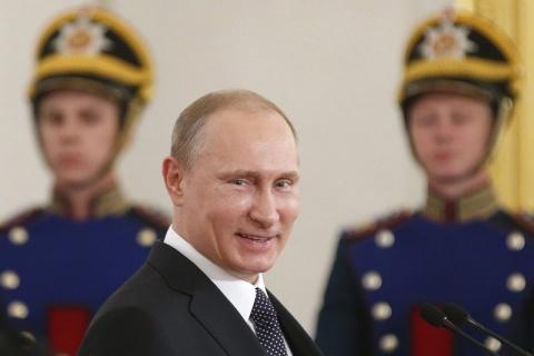 Putyin válasza a szankciókra- Import tilalom az EU-ból származó élelmiszerekre
