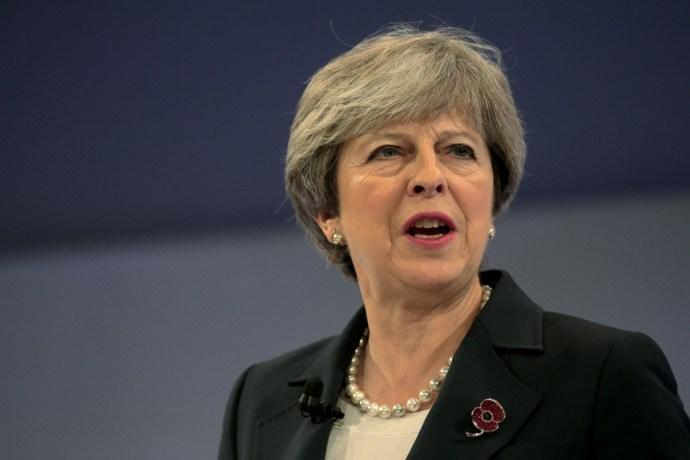 Theresa May: A nemzetközi rendet fenyegeti Oroszország