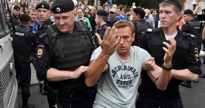 Alekszej Navalnijt harmincnapos letartóztatásra ítélték