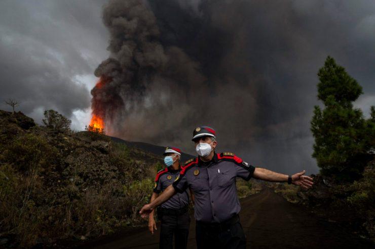 Vulkánkitörés a Kanári-szigeteken: Több száz ház pusztult el eddig, de hetekig, hónapokig is eltarthat a kitörés