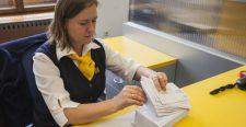 Felrobbant egy küldemény a Szlovák Posta alkalmazottjának kezében