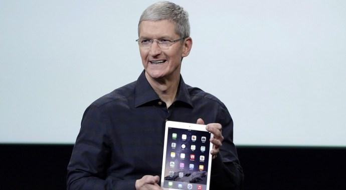 Egész vagyonát szétosztja az Apple-vezér