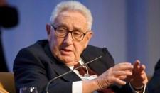 Kissinger azt tanácsolja Ukrajnának, hogy váljon Finnországgá