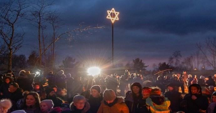 """""""Boldog zsidómentes karácsonyt!"""""""