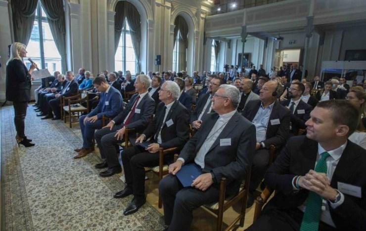 A modernkori Európa pillérei – Vallásközi konferenciát rendeztek Debrecenben