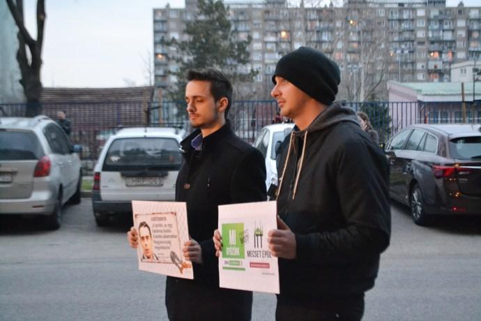 Fideszes kamutüntetéssel fogadták Vona csepeli fórumát