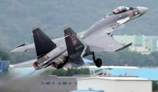 A kínai légiszalon keretében bemutatták a legújabb orosz Szu-35-ös vadászgépet