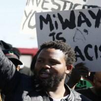 """""""Minden feketének legalább öt fehérrel kell végeznie"""" - üzenték a feketék Dél-Afrikában"""