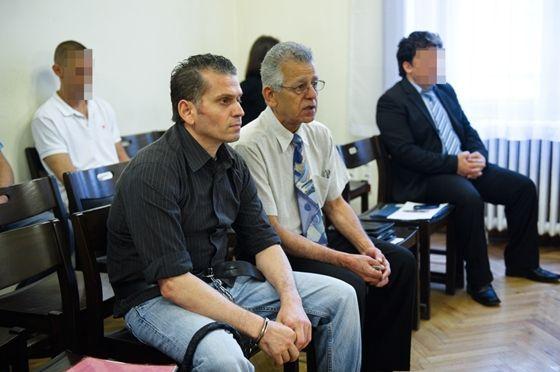 Vérbosszúra felesküdött szírek estek a fél családjukat kiirtó libanoni gyilkosnak – a baj az, hogy a magyar bíróságon
