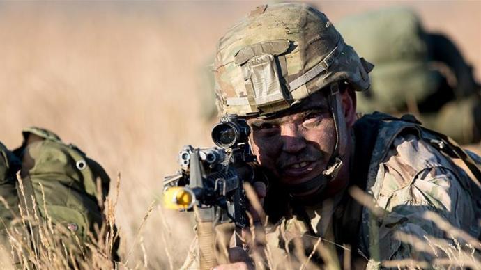 Így fest a NATO óriási hadgyakorlata (videó)