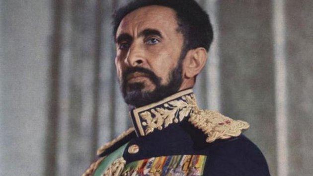 Saját palotája latrinájában hevert évtizedeken keresztül az utolsó etióp császár holtteste