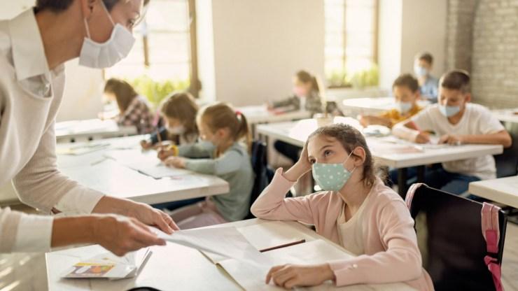 Az iskolák két százalékában kellett intézkedni koronavírus-fertőzés miatt