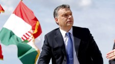 Húsvéti antiszemita vádeső a magyar kormány és a kormányfő ellen a nyugati médiában