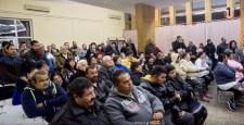 Fiatal cigányokat buszoztatott a Fidesz a Jobbik nyugdíjasrendezvényére, de a botrány végül elmaradt