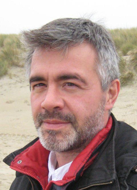 Belga szakszervezeti vezető és egyetemi tanár: Izrael mérgezi, halálra éhezteti és a szerveiért rabolja el a gyermekeket