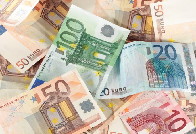 Zsolnán már nem elég az 1460 euró. Vajon melyik autógyár fizet a legjobban?