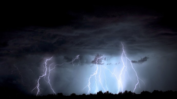 Negyvenezren szenvedtek áram nélkül a hétfő esti vihar idején