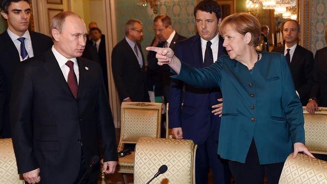 Frau (Herr?) Merkel megsértődött Putyinra