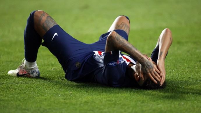 Nem lőhet gólt Neymar Gulácsi Péternek