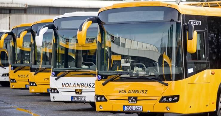 Naponta késnek el az iskolából a Polgárból Tiszaújvárosba buszozó diákok, nem férnek fel a járatra