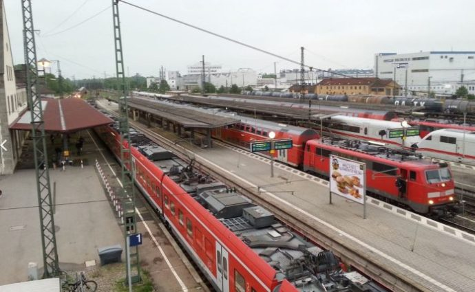 Fekete afrikaiak félemlítik és támadják meg az embereket a pályaudvaron