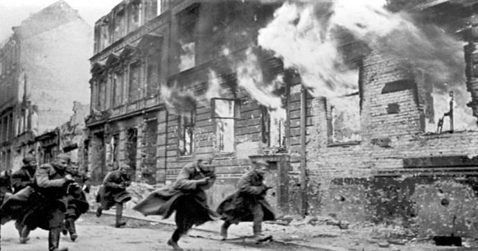 """Hatalmas árat fizettek a szovjetek, mielőtt Berlinre """"fülsüketítő csönd"""" ereszkedett"""