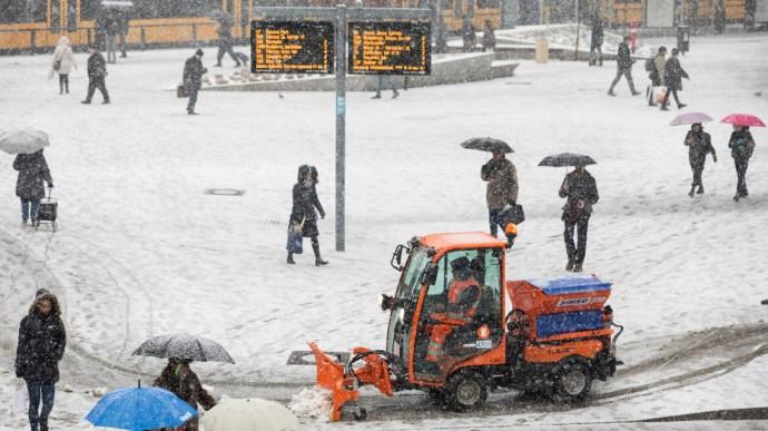 A hó kiütötte egy időre Budapest közlekedését