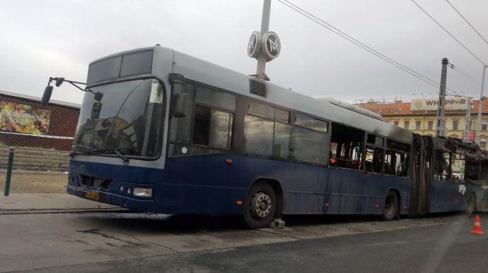 Kiégett egy BKV-busz a Stadionoknál