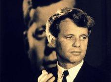 JFK öccsét is elérte a Kennedy család átka