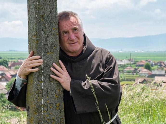 Pizsamában is hat az áldás: jobban van Böjte Csaba