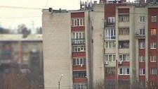 Úgy megdőlt egy orosz lakóház, mint a pisai ferde torony