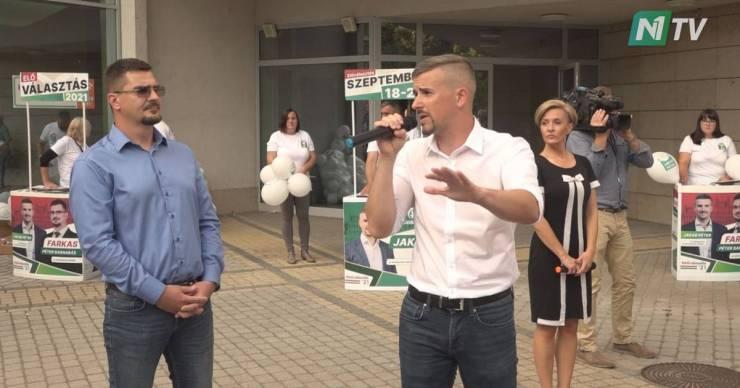 Jakab: Orbán Viktor valóban bérből és fizetésből él, a tiétekből!