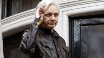 Megszüntették Assange hozzáférését az internethez