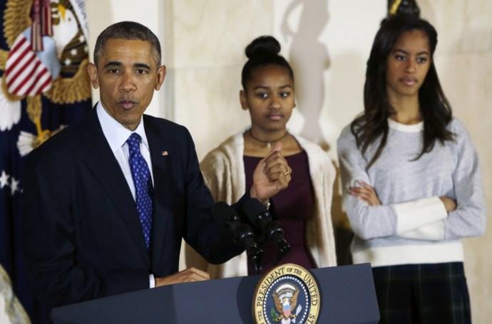 Leírta a véleményét Obama lányairól, majd órákig imádkozott, és lemondott