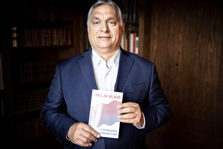 Orbán Viktor Václav Klausnak: harminckét év után ismét szabadságharc folyik Európában