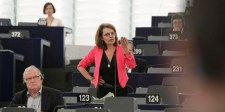 Francia EP-képviselő: A tagállamokat rá kell kényszeríteni a szolidaritásra