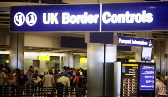Szigorítás: elvehetik a kiutazók útlevelét